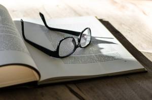 book-eyeglass